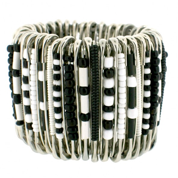 MEDIUM SAFETY PIN BRACELET. BLACK / WHITE