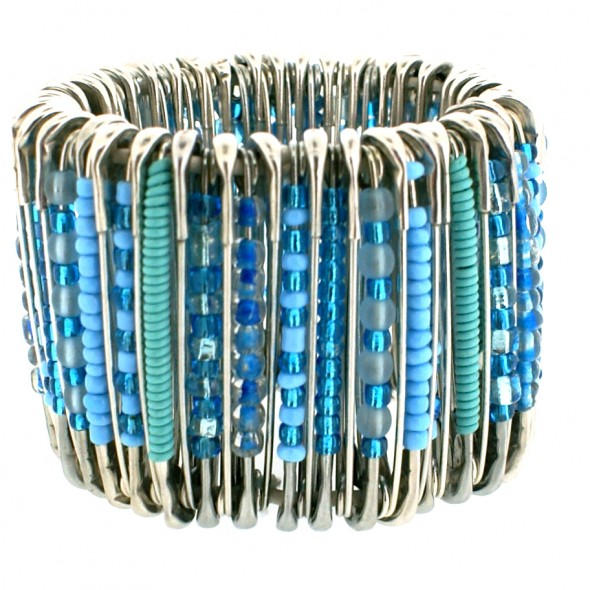 MEDIUM SAFETY PIN BRACELET. TURQUOISE