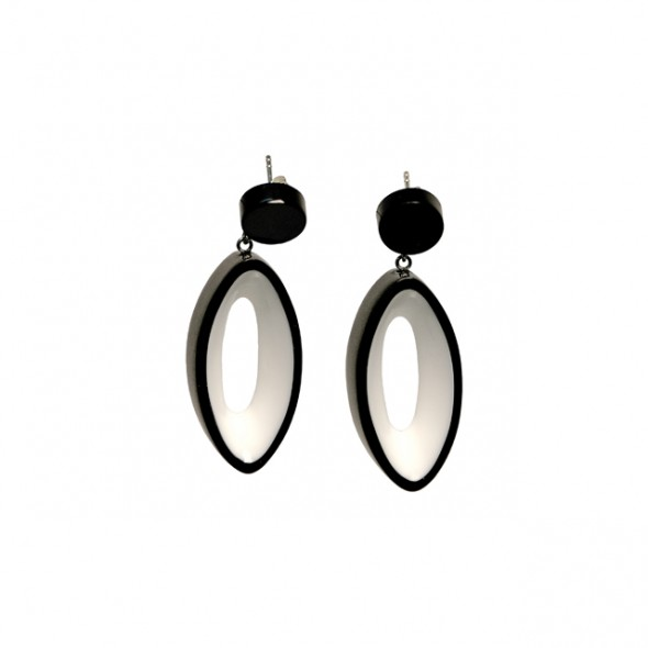 BLACKOUT POST EARRING WITH OVAL CUTOUT. BLACK AND WHITE