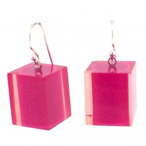HOT PINK RESIN CUBE EARRING.