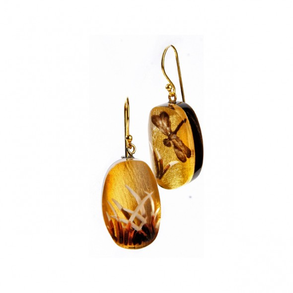 FRAGILE SMALL EARRING ON HOOK. GOLD