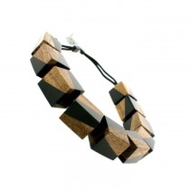 FUZION 8 LARGE CUBE NECKLACE W TOGGLE. BLACK