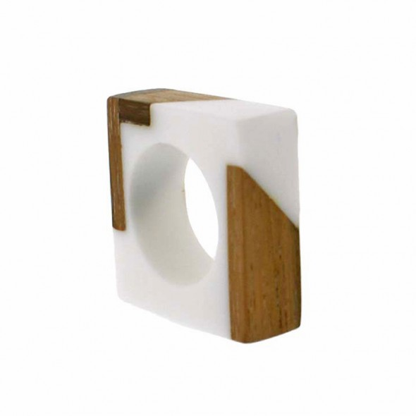 FUZION SQUARE RING. WHITE