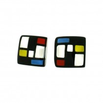 HOMAGE SMALL SQUARE POST EARRING. CLASSIC