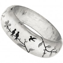 HANAMI SILVER LEAF BANGLE. SILVER/GREY