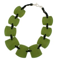 ISIS 9 BEAD NECKLACE. GREEN