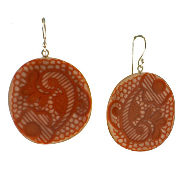 LACE HOOK EARRING. ORANGE
