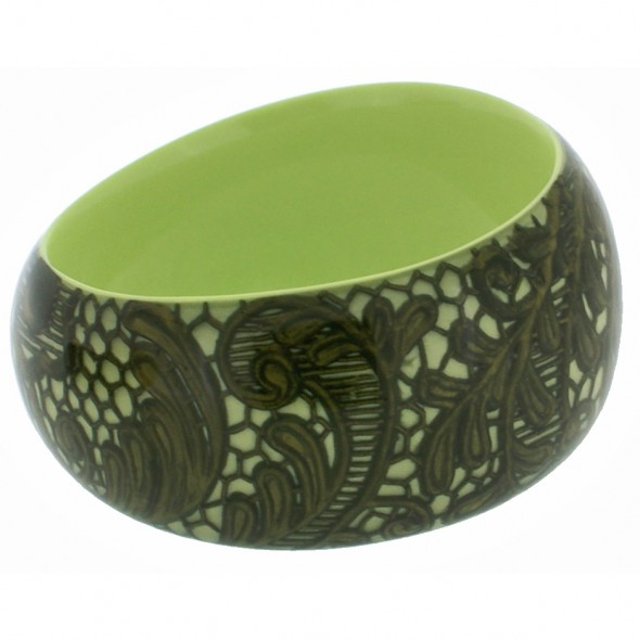 LACE DESIGN BANGLE. GREEN