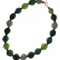 ARABESQUE MEDIUM BEAD NECKLACE. GREEN/GREY