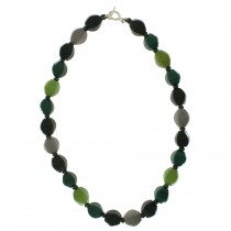ARABESQUE SMALL BEAD NECKLACE. GREEN