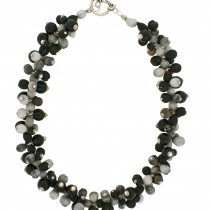 CLUSTER ZULU PEARL NECKLACE. MONOCHROME
